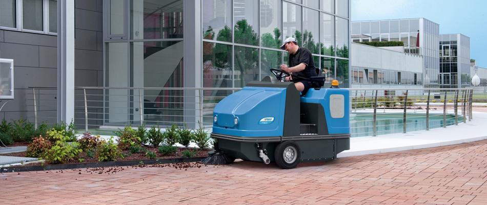 Máquina para la limpieza de suelos, barrido de grandes superficies con barredoras
